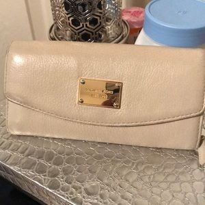 Micheal Kors leather off white wallet